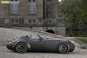 649375-930-0-batmobil-der-wiesmann-roadster-in-neuem-kleid-300x200 in 649375-930-0-batmobil-der-wiesmann-roadster-in-neuem-kleid